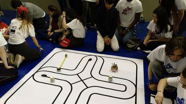 Robots y coches del futuro compiten mañana en la Escuela de Industriales de Ciudad Real