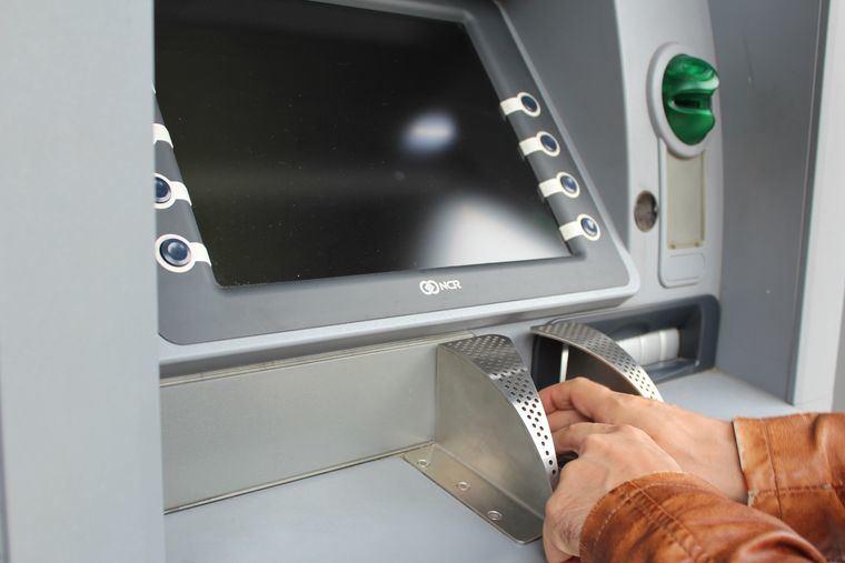 95.500 castellano-manchegos no tienen acceso al efectivo al carecer sus municipios de banco y cajero