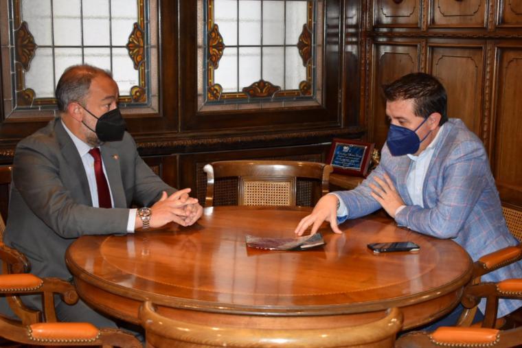 La Diputación de Albacete aportará 50.000 euros para que 18 estudiantes hagan prácticas en el marco del 'Erasmus Rural' UCLM